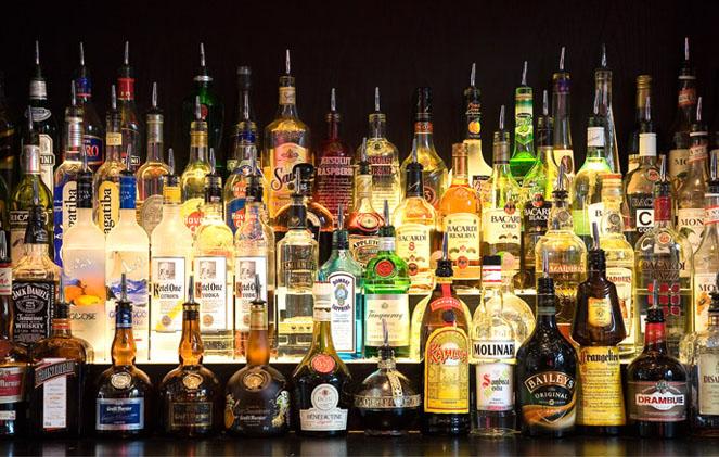 Лучшие алкогольные напитки для новогодних торжеств.